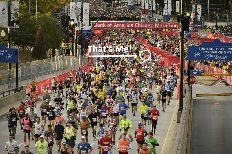 David Rovani circled in the wide shot of the start of the Chicago Marathon